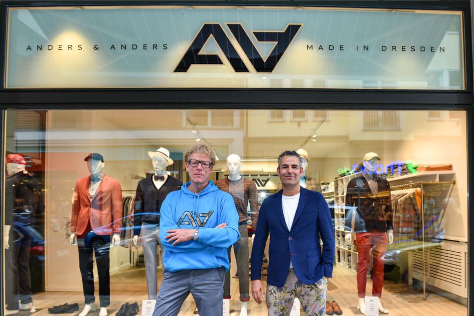 Ab 2022 sind Sven (49) und Peer (47, r.) nur noch im Laden an der Schiller-Galerie zu finden.