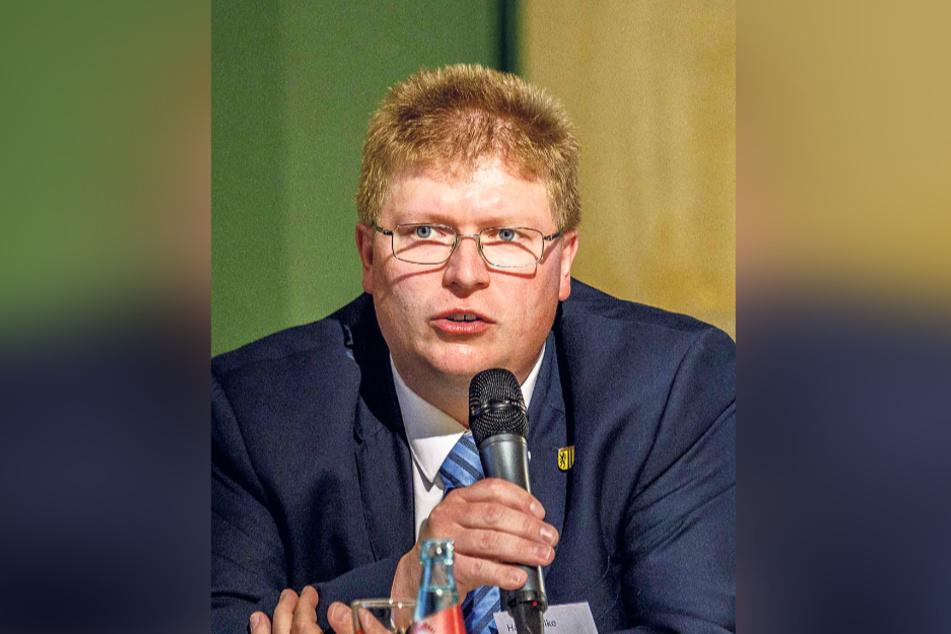 AfD-Rat Harald Gilke (44) fordert einen weitgehenden Verzicht.