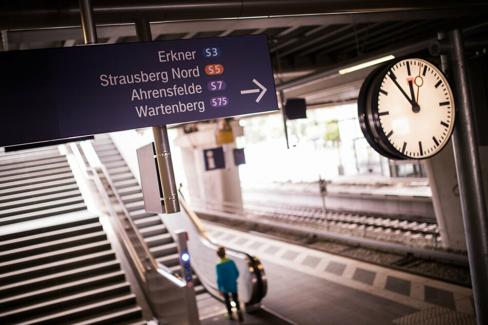 Der Kabelbrand zwischen den S-Bahnhöfen Frankfurter Allee und Ostkreuz soll absichtlich gelegt worden sein (Symbolbild).