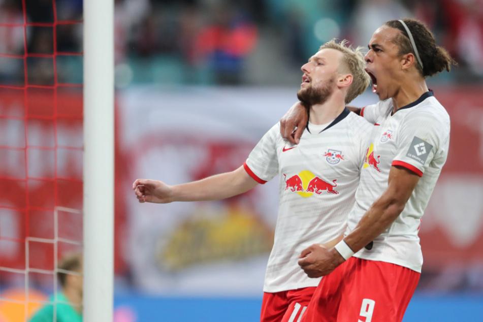 Yussuf Poulsen, hier mit seinem Teamkollegen Emil Forsberg, möchte seinem Team nach seiner Verletzung beim Gewinn der Champions League helfen.
