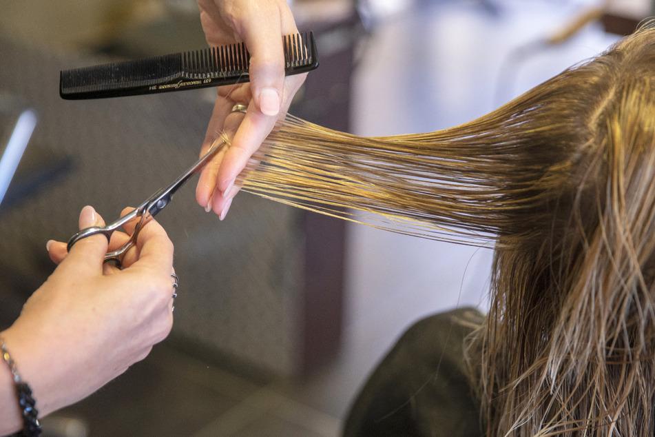 Ab dem 1. März kann man in Baden-Württemberg wieder mit einem Termin zum Friseur gehen.