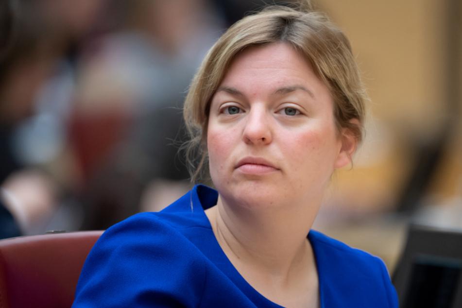 Grünen-Chefin Schulze wettert gegen Corona-Leugner und sagt Rassismus Kampf an