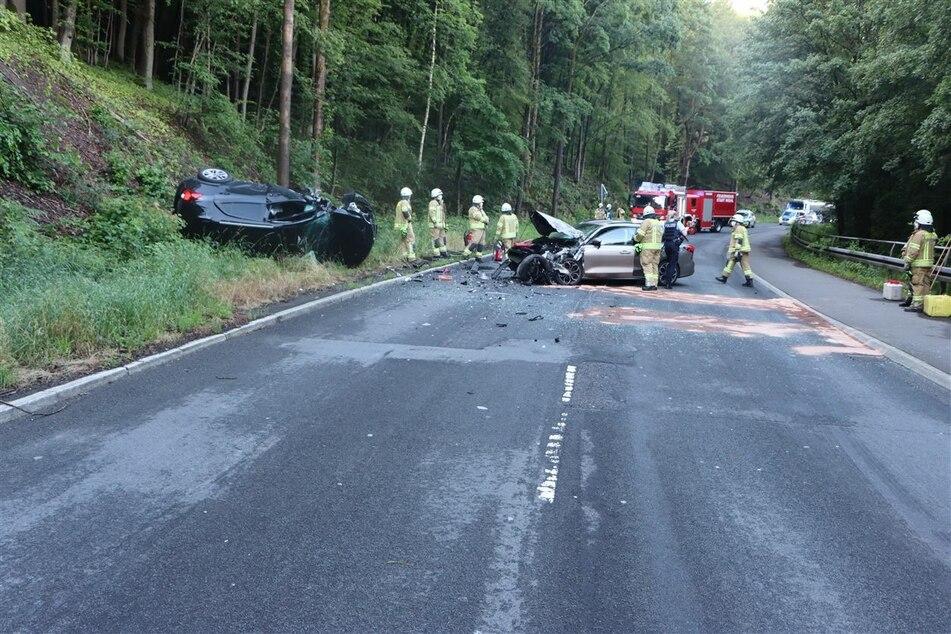 Ein Autofahrer (28) war am Mittwochmorgen in Wiehl in den Gegenverkehr geraten und frontal mit dem Wagen eines 41-Jährigen zusammengeprallt.