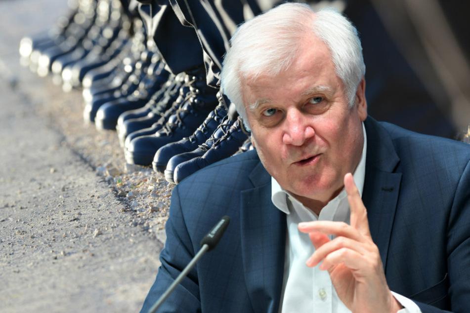 Bundesinnenminister Horst Seehofer (70, CSU) nimmt die Entwicklung ernst.
