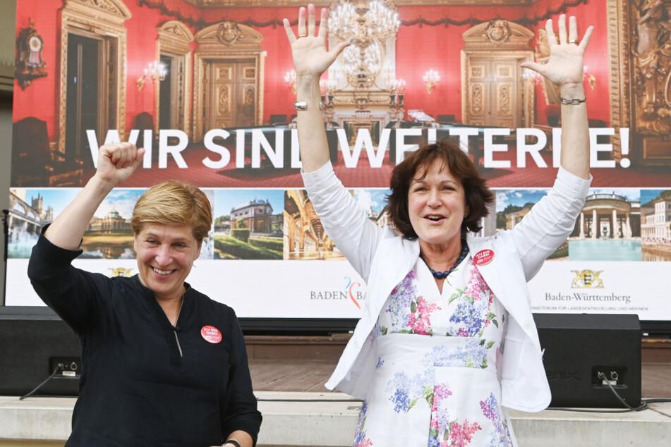 Baden-Baden am heutigen Samstag: OB Margret Mergen (r, CDU) und Landesentwicklungsministerin Nicole Razavi (CDU) freuen sich über die Entscheidung des Unesco-Welterbekomitees.