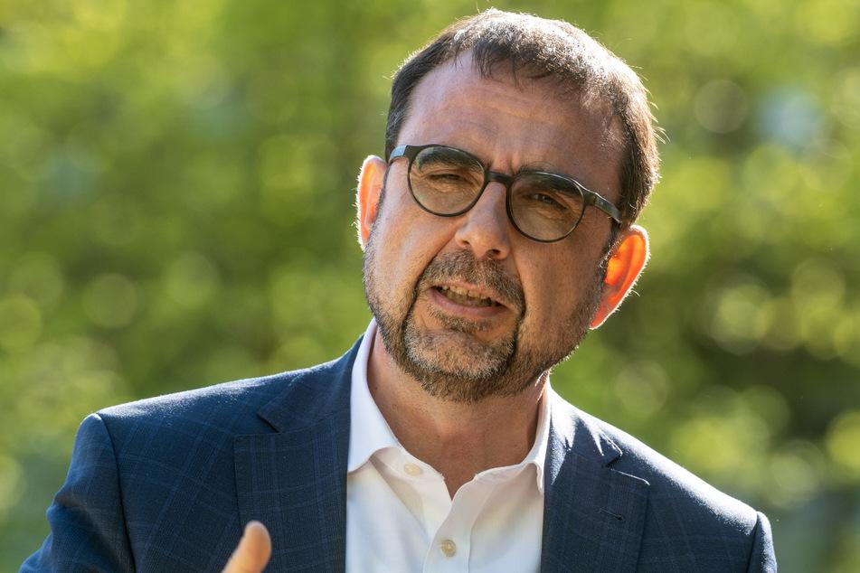 Bayerns Gesundheitsminister Klaus Holetschek (56, CSU) will die Kontrollen verstärken.