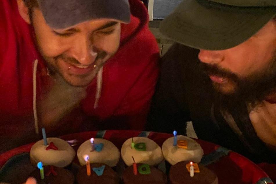 """Die """"Tokio Hotel""""-Zwillinge Bill (l.) und Tom (beide 31) hatten allen Grund zum Feiern."""