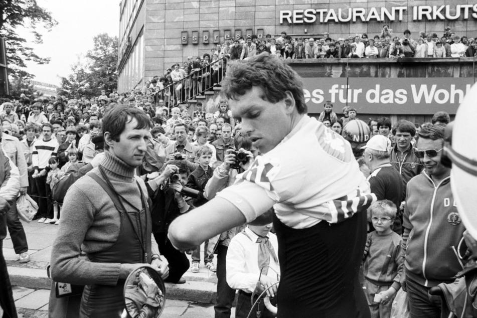 DDR-Vorzeige-Radsportler Olaf Ludwig (61) war damals ebenfalls dabei.
