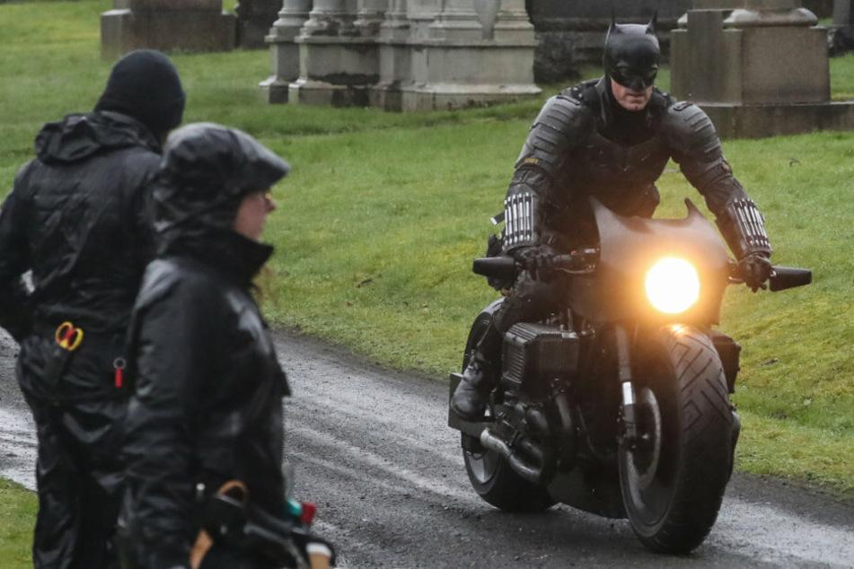 Batman has Covid! Robert Pattinson tests positive for virus, filming halted