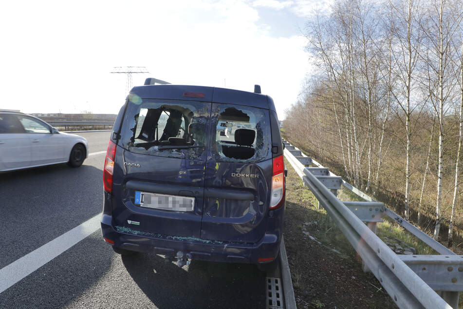 Die Dacia-Fahrerin erlitt bei dem Unfall leichte Verletzungen.