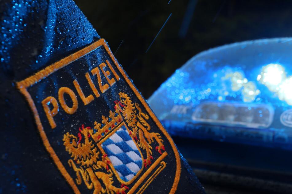Die Polizei nahm den 17-Jährigen in seiner Wohnung in Ingolstadt fest. (Symbolbild)