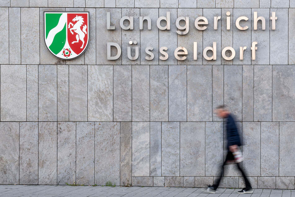 Das Düsseldorfer Landgericht hat einen 23-Jährigen für die Entführung eines Mannes (32) in Niedersachsen schuldig gesprochen.