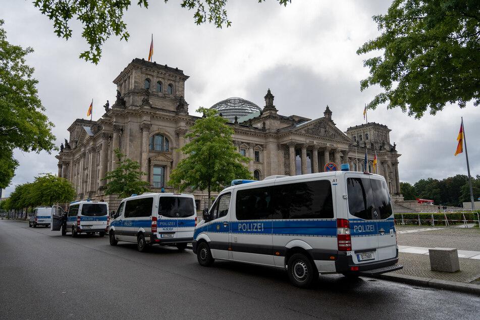 Die Berliner Polizei bereitet sicherneut auf einen Großeinsatz vor, anlässlich mehrerer verbotener Demonstrationen gegen die Corona-Politik.