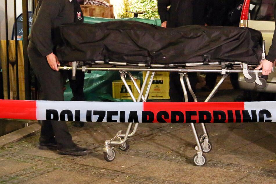 """Leichenfund in Rödermark-Urberach: Die Tote habe """"augenscheinlich Zeichen scharfer Gewalt"""" aufgewiesen, erklärte ein Sprecher. (Symbolbild)"""