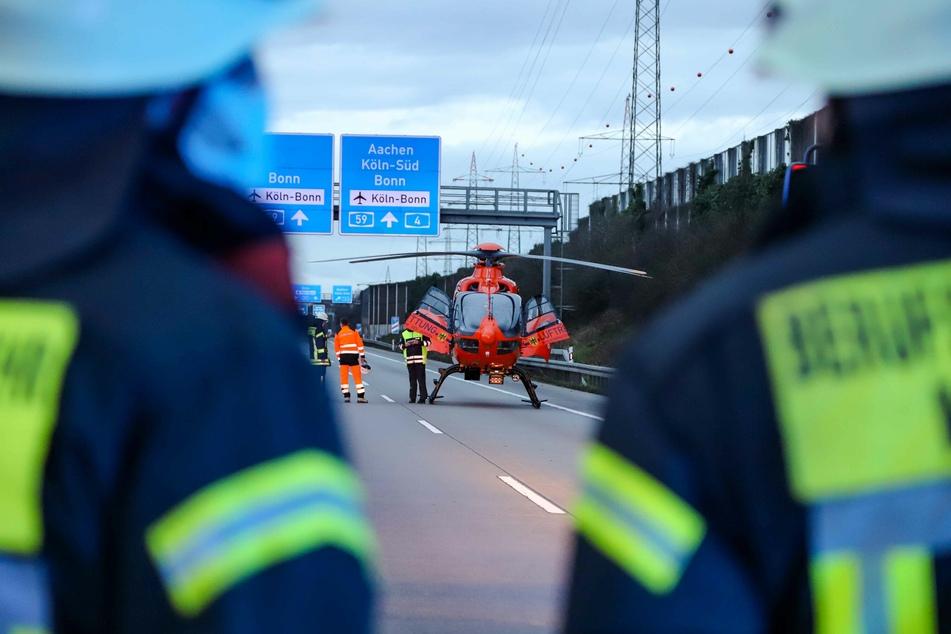 Der 62-Jährige wurde von Rettungskräften mit lebensgefährlichen Verletzungen in ein Krankenhaus gebracht.