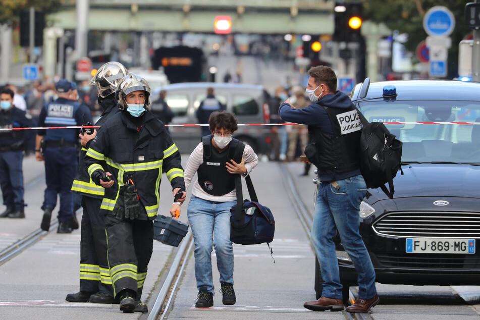 Handelt es sich bei der Messerattacke um einen Terroranschlag?