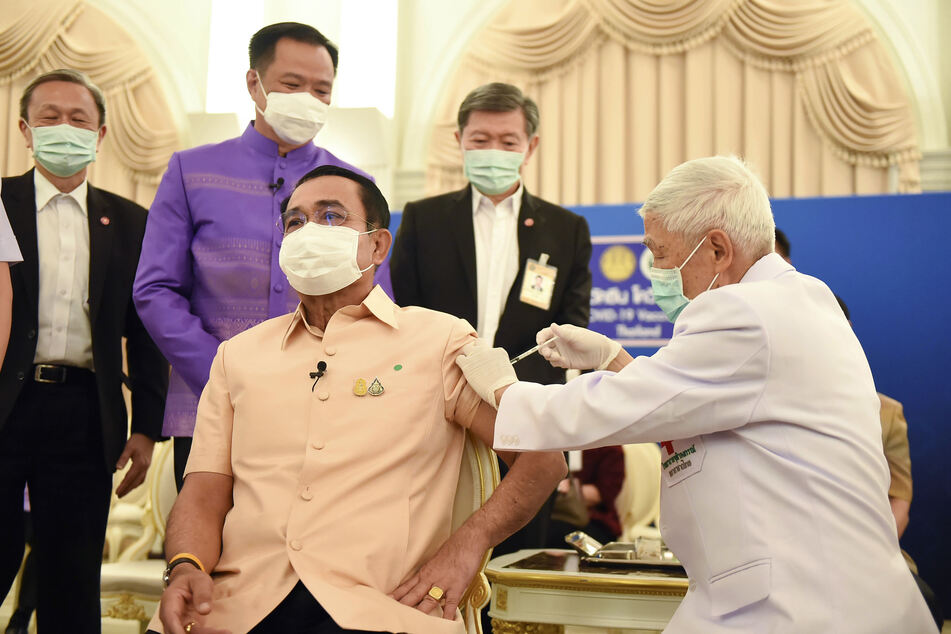 Prayuth Chan-ocha, Thailands Premierminister, erhält eine Impfung mit dem Impfstoff COVID-19 von AstraZeneca.