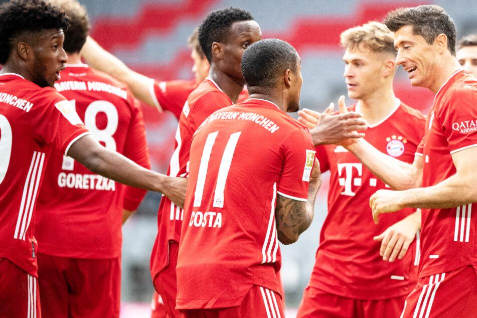 Joshua Kimmich (26, 2.v.r.) will künftig selbst über seine Verträge verhandeln. Kommt es zeitnah zu einer Einigung mit dem FC Bayern München?
