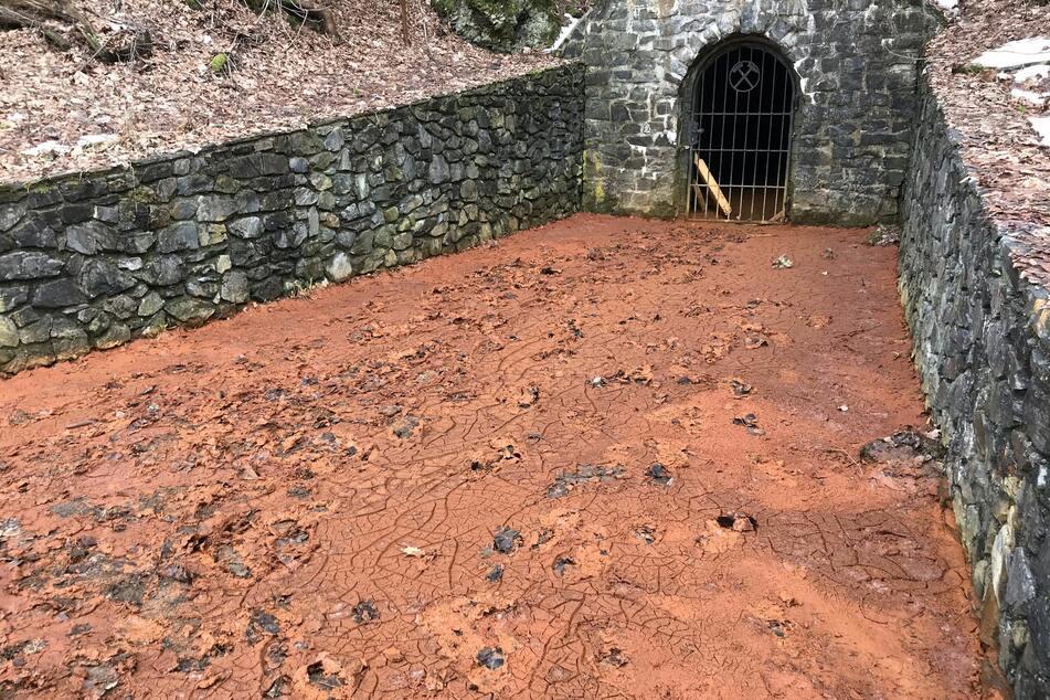 Erst kürzlich soll aus dem Bergwerkschacht Alexisbad Schlamm gesprudelt sein.