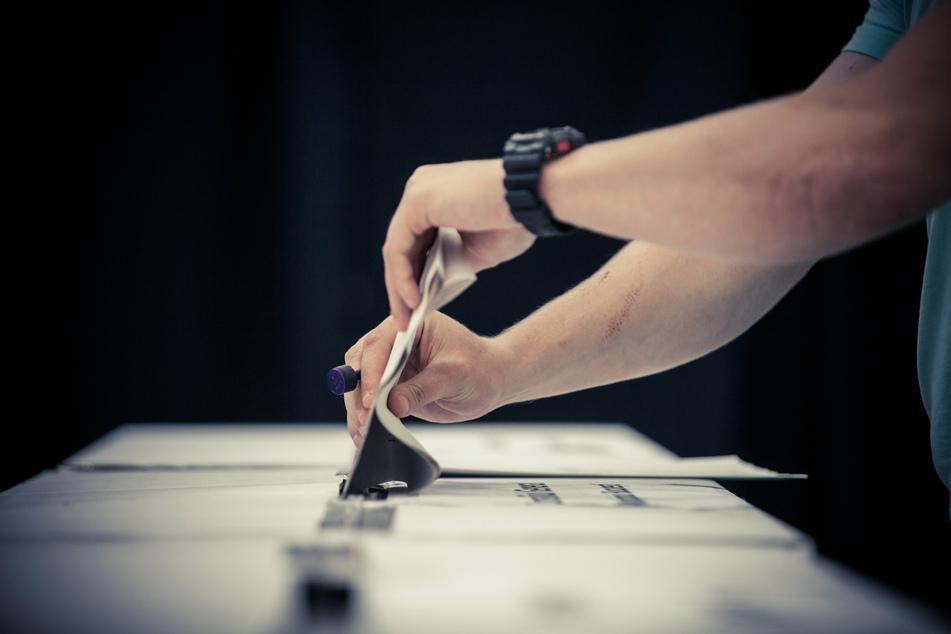 In insgesamt 225 Wahllokalen machten sich fast 12.000 junge Sachsen auf, um ein Kreuzchen auf dem Wahlschein zu setzen. (Symbolbild)