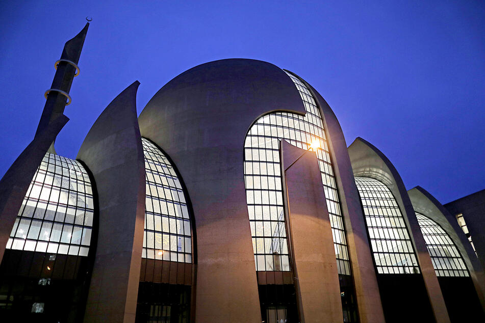 Die große Ditib-Moschee in Köln-Ehrenfeld.