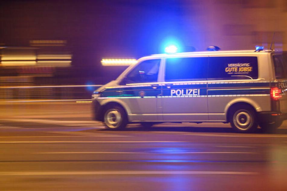 Berlin: Beil-Angriff auf eigene Mutter: Polizei nimmt Sohn fest