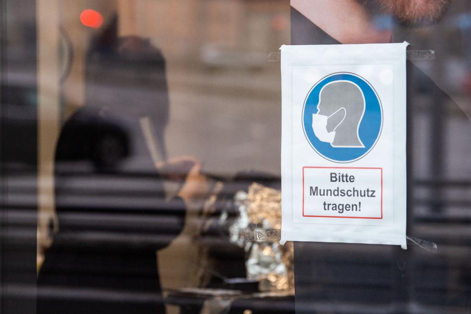 In Passau werden die Corona-Maßnahmen für Reiserückkehrer verschärft. (Symbolbild)