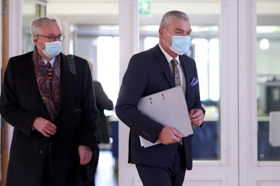 Sachsen-Anhalts Innenminister Holger Stahlknecht (CDU, r.) sagte am Mittwoch vor dem Untersuchungsausschuss aus.