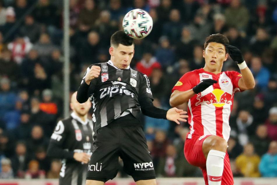 Peter Michorl (links) könnte bald im HSV-Trikot spielen. (Archivbild)