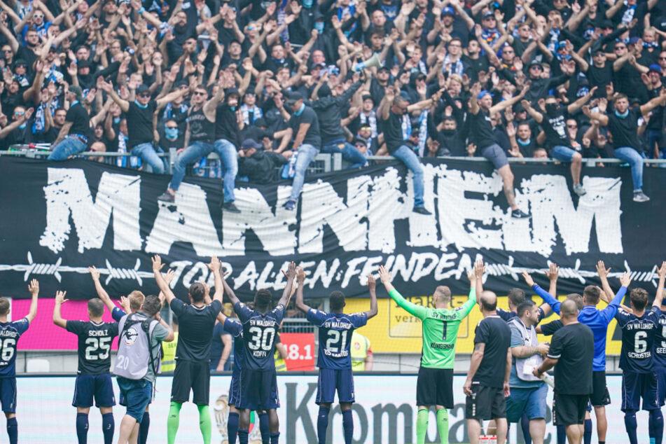 Der SV Waldhof Mannheim hat ein neues Votum unter den Drittliga-Clubs über den Neustart der 3. Liga beantragt.