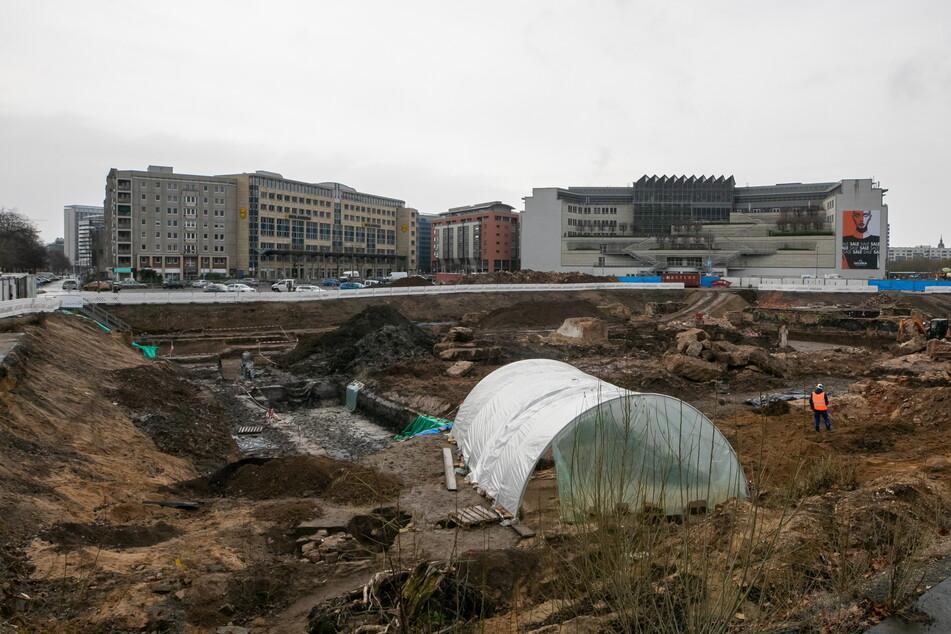 Auf dem Ferdinandplatz laufen derzeit noch die letzten archäologischen Untersuchungen.