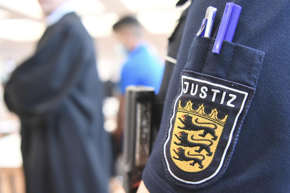 Mehrjährige Haftstrafen gegen vier junge Asylbewerber nach Vergewaltigung von 14-Jähriger