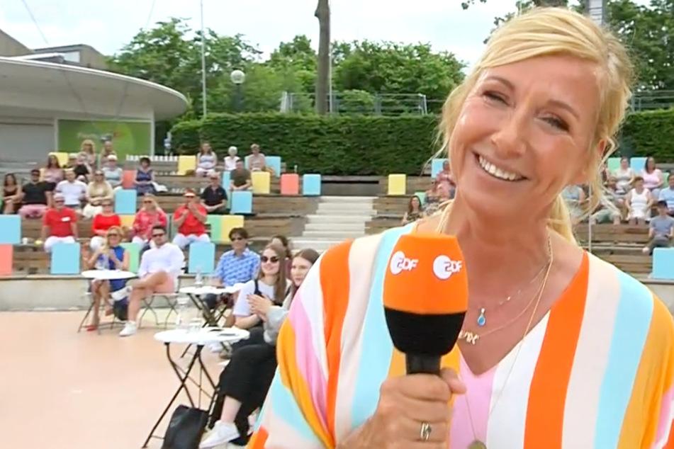 Die ehemalige Leistungsschwimmerin Andrea Kiewel (56) moderiert den ZDF-Fernsehgarten bereits seit dem Jahr 2000 (mit Unterbrechung).