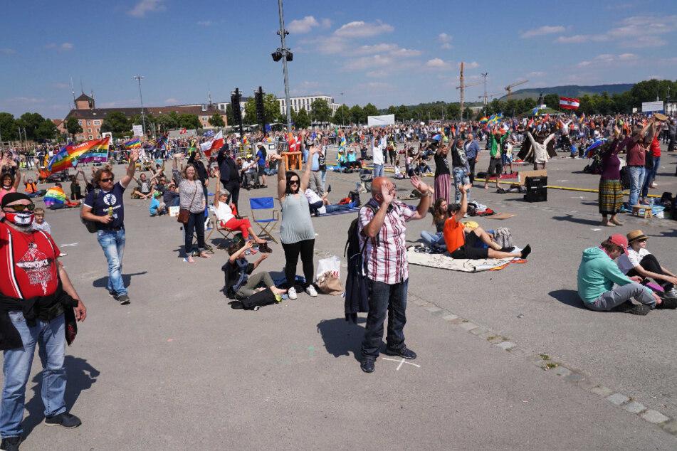 Mehr als 5000 Menschen kamen zum demonstrieren.