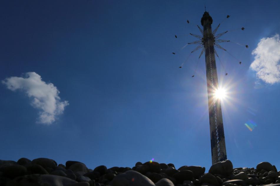Neue Attraktion! Das höchste Kettenkarussell der Welt steht jetzt in Deutschland