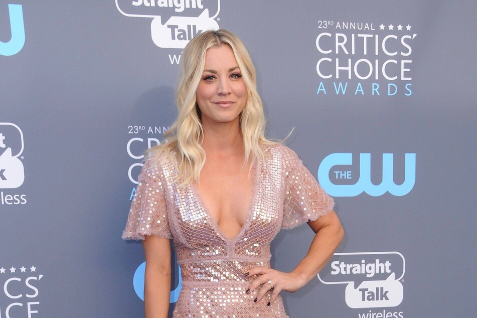 The actor Kaley Cuoco is great in her TiKTok reenactment of a scene from The Big Bang Theory.