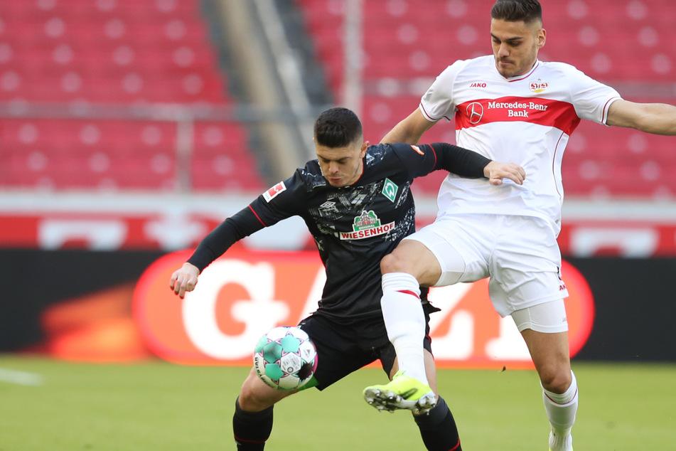 VfB-Verteidiger Konstantinos Mavropanos (r., 23) ist vom FC Arsenal London ausgeliehen.