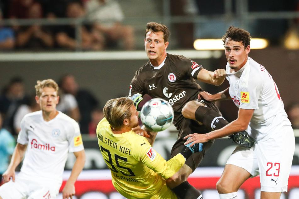 Der Abwehrspieler köpfte in seinem ersten Spiel gegen Holstein Kiel gleich ein Tor.