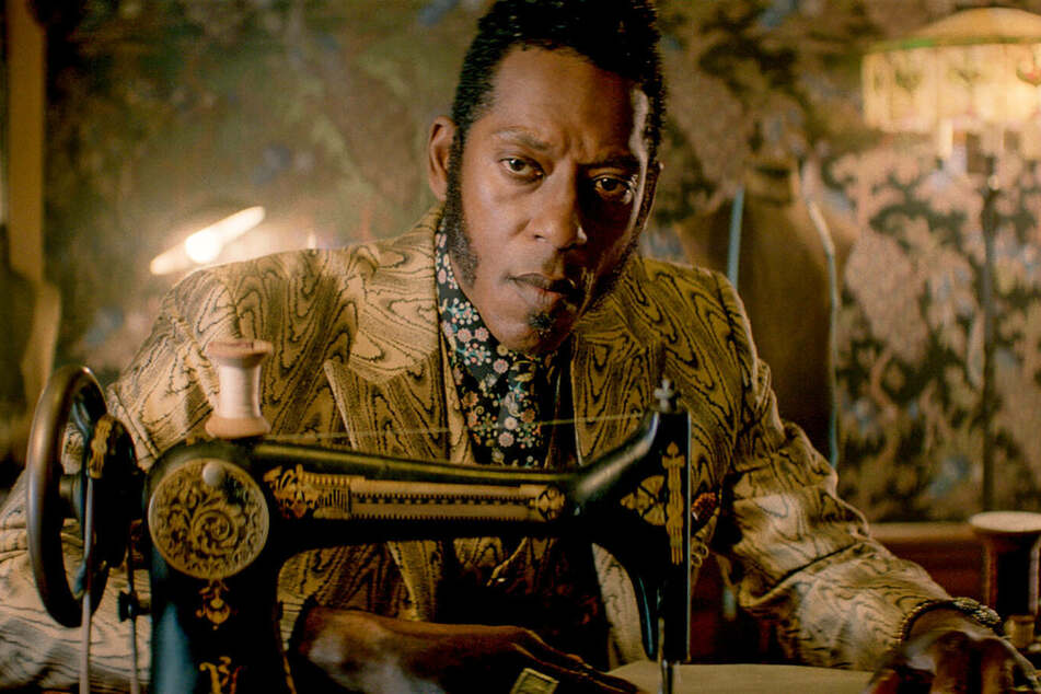 Orlando Jones as Mr.Nancy and the Ghanaian trickster God Anansi in American Gods.