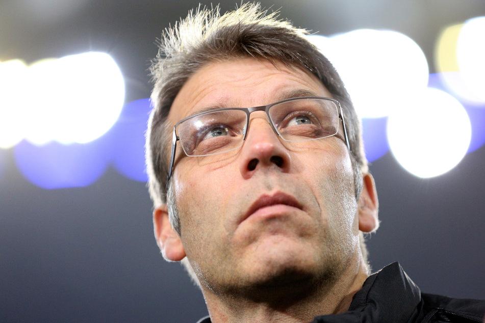 Schalkes Sportvorstand Peter Knäbel (54) zeigte sich geschockt von dem Vorfall.