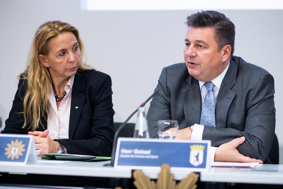 Polizeipräsidentin Barbara Slowik und Innensenator Andreas Geisel (SPD) stellten die Kriminalitätsstatistik am Montag vor.