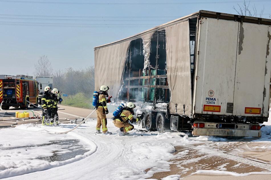 Die Feuerwehren aus Pirna, Graupa, Dohna und Meusegast löschten die Flammen.