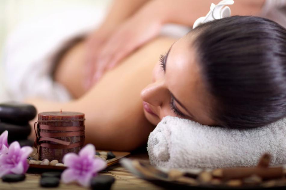 Massagen fallen erstmal aus (Symbolbild).
