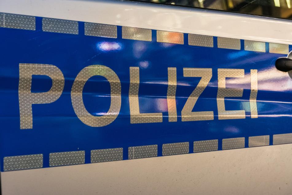 Eine Polizistin wurde beim Einsatz von Pfefferspray leicht verletzt (Symbolbild).