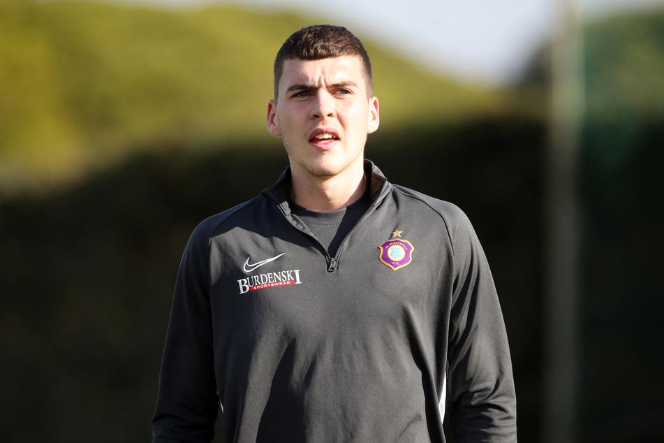 Aue-Verteidiger Jacob Rasmussen wechselt zum niederländischen Fußballverein Vitesse Arnheim.
