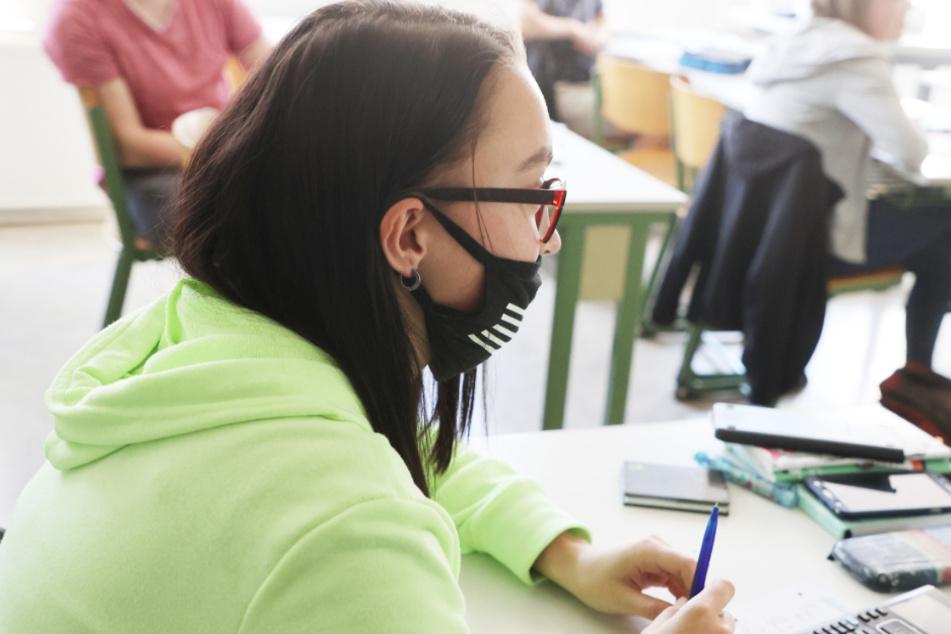 Maskenpflicht ab Montag in Baden-Württemberg auch im Unterricht