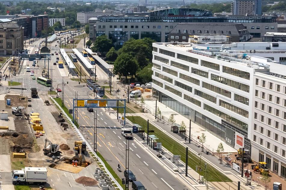Großbaustelle Innenstadt: An der Bahnhofstraße gibt es bereits einige Baustellen, nun kommt mit der Sperrung der Johannisstraße eine weitere dazu. (Archivbild)