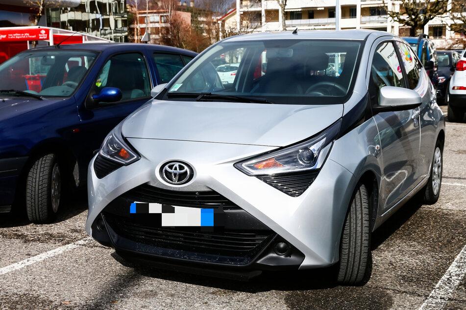 Muhammad Ashaz (41) war gezwungen das Familienauto, einen Toyota Aygo, zu verkaufen, um die Schulden seines Sohnes zu begleichen. (Symbolbild)