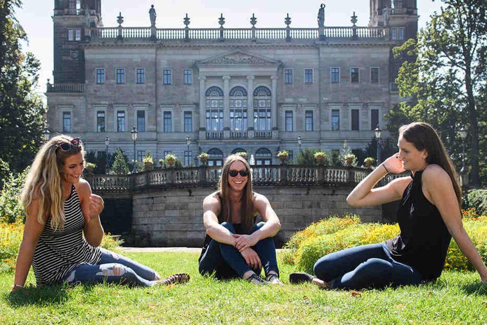 Jocelynn, Erin und Liz fallen in der Stadt allein durch ihre Körpergröße auf jeden Fall auf.