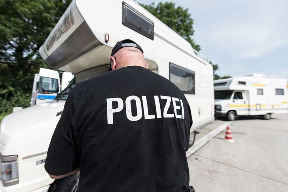 Bei der Kontrolle eines Wohnmobils stellte die Polizei gravierende Mängel fest (Symbolbild).